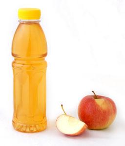 Apfelsaft in pet flasche
