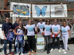 Gemeinsam gegen Marine Litter: Team Kunststoff, PlasticsEurope und Die Helfer Des Clean River Projects An Der Düsseldorfer Marina