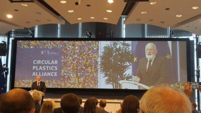 Mehr Kreislaufwirtschaft - Circular Plastics Alliance - EU-Kommissar Timmermans