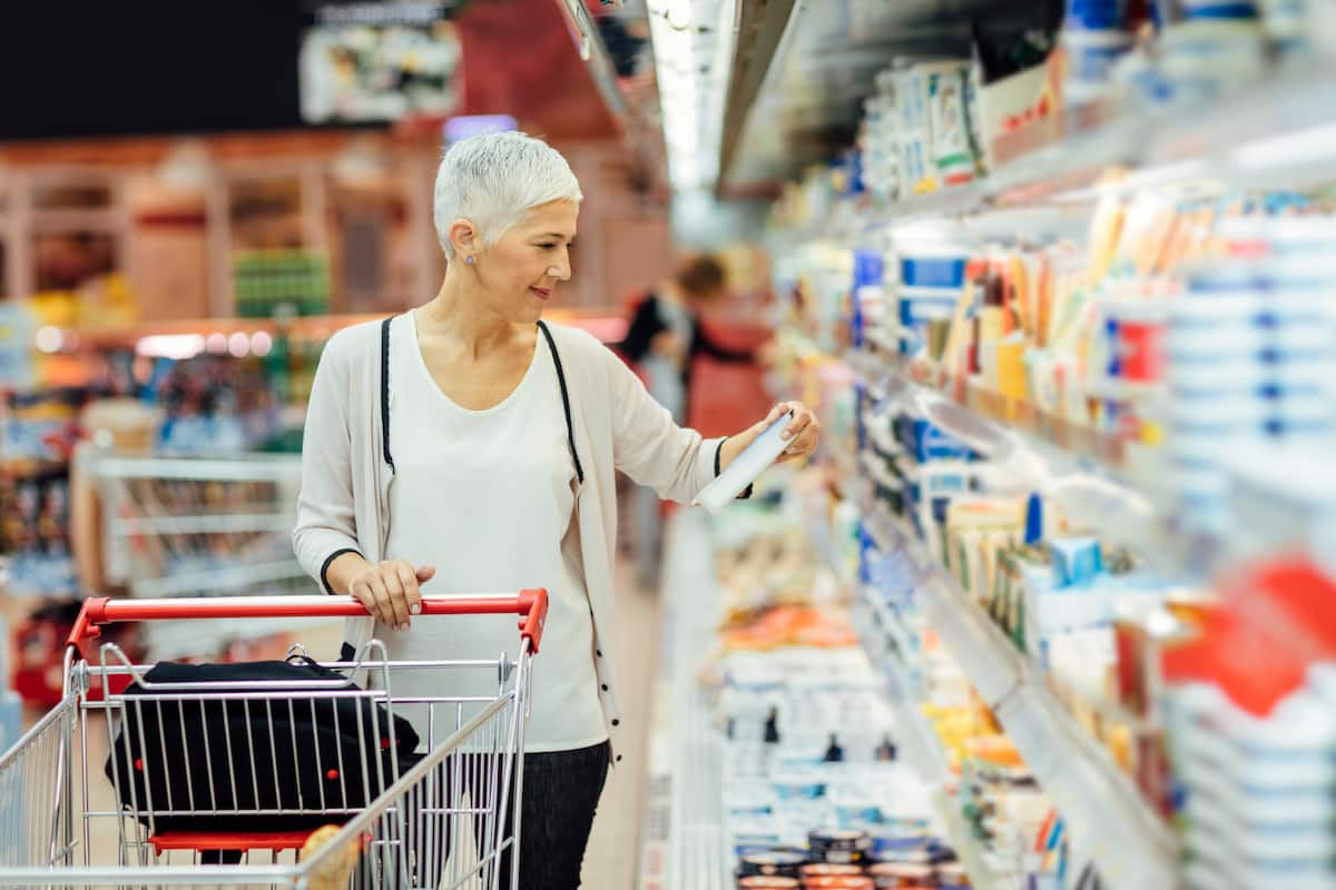 Verpackung aus Kunststoff für Lebensmittel im Supermarkt