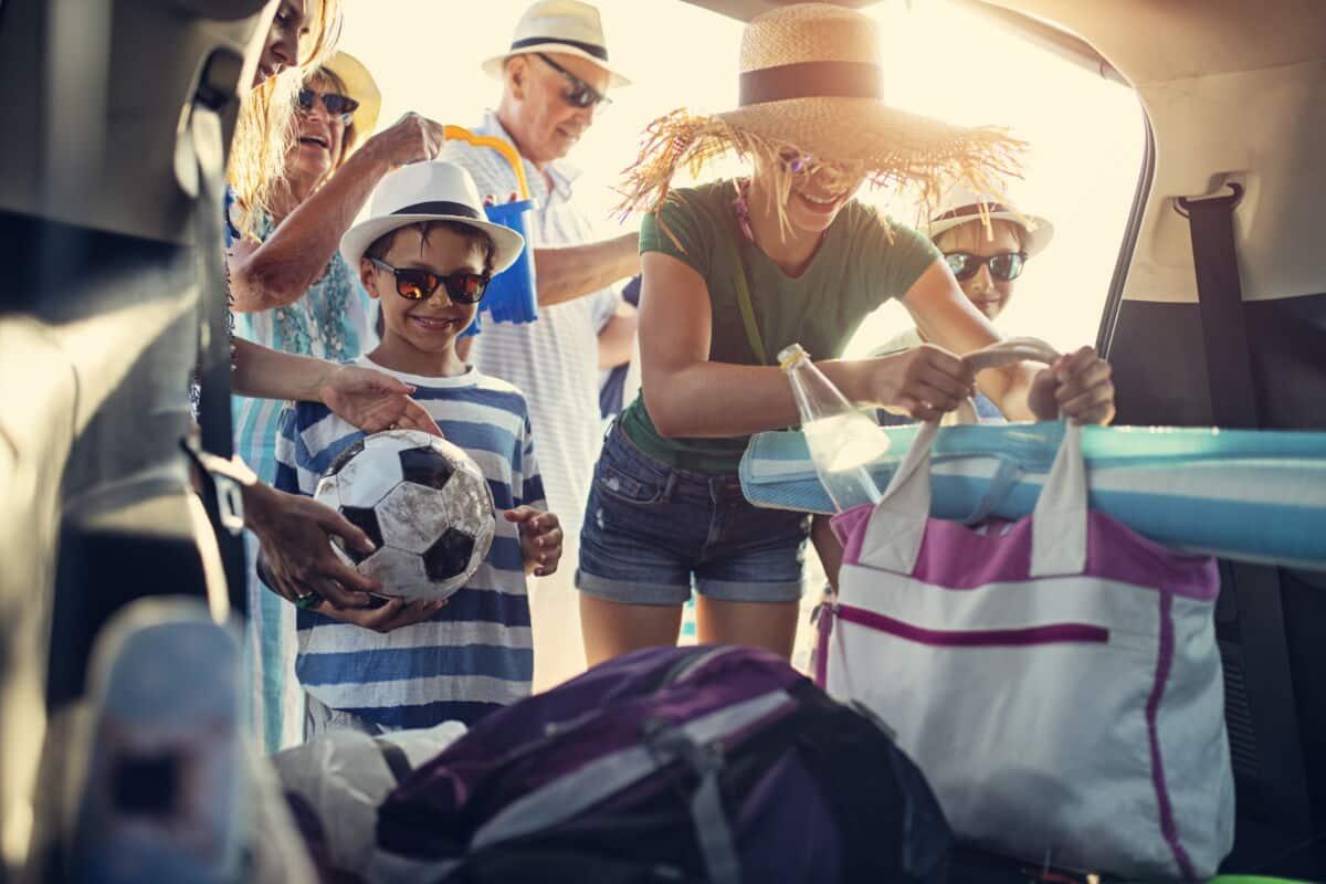 Verpacken in Ferien und Urlaub mit Kunststoff - Abfall ordentlich entsorgen